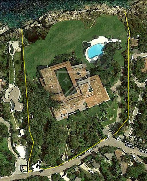 sat-1-big-villa