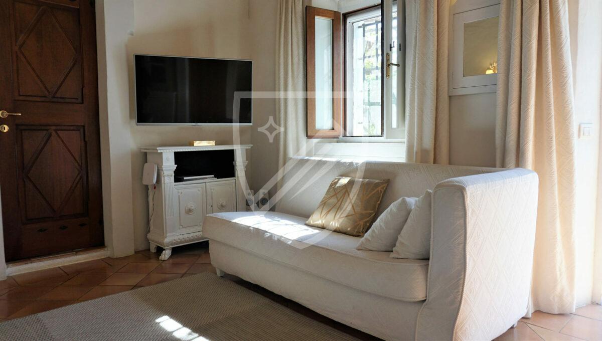 Living Room (1)_1